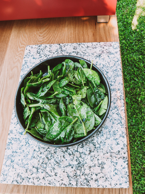 Spinach seasoned with olive oil, garlic and salt
