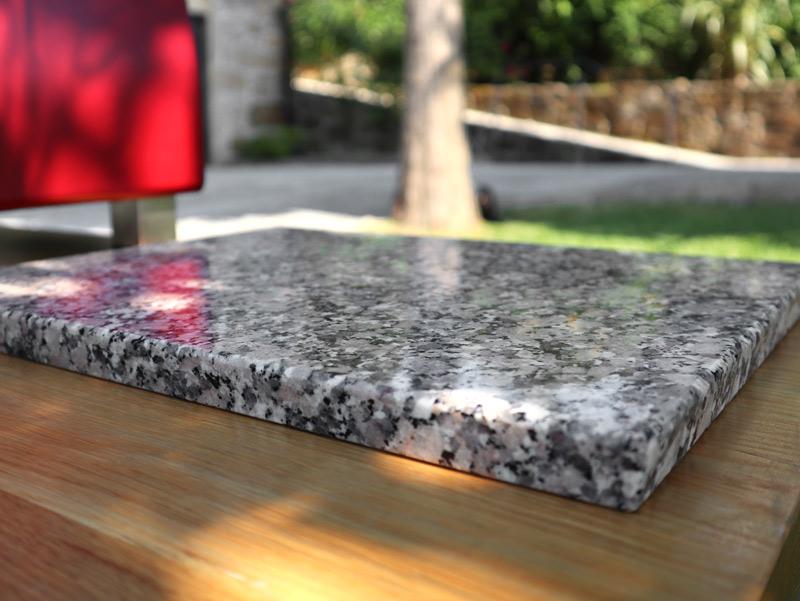 Rosa Monção granite cutting board - detail