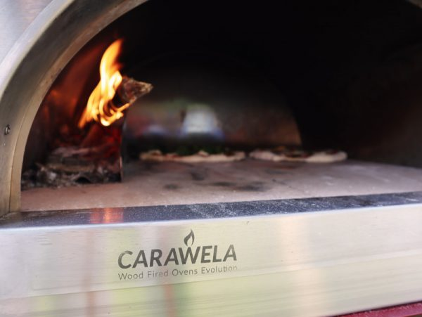 Pro600 wood fired oven - cooking pizzas