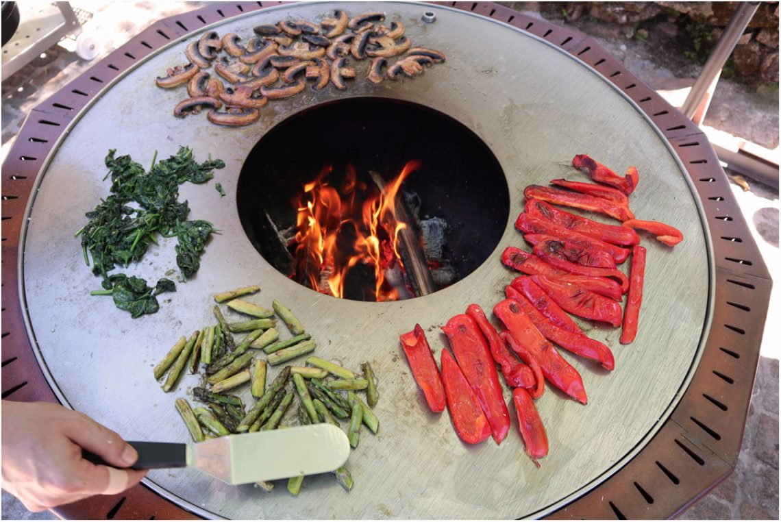 Doze wood fired plate grill
